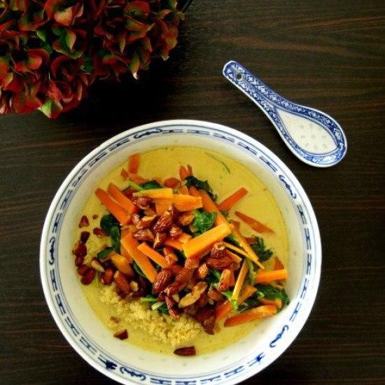 Rezept Möhren-Spinat-Wok mit Kokosmilch und Mandelkernen
