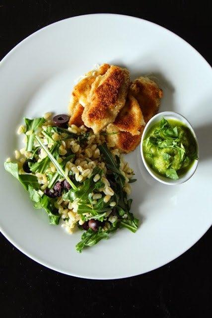 Rezept Mozzarellasticks mit Kräuter-Zartweizen und Erbsen-Minz-Dip