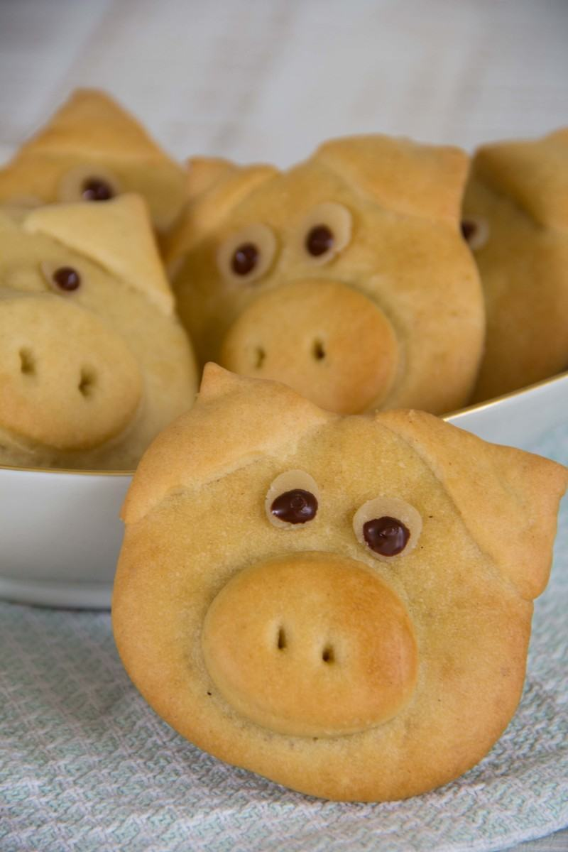 "Rezept Neujahrsschweinchen aus veganem ""Quark-Öl-Teig"""