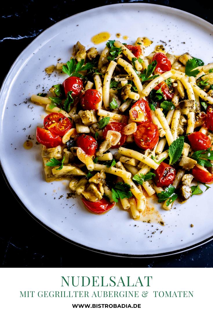 Rezept Nudelsalat mit gegrillter Aubergine und konfierten Tomaten