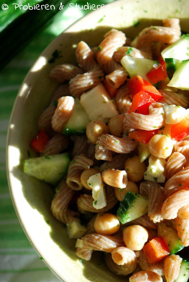 Rezept Nudelsalat mit Kichererbsen, Gurke & Paprika