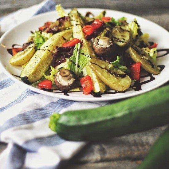 Rezept Ofengemüse-Salat an warmem Zitronen-Honig-Dressing