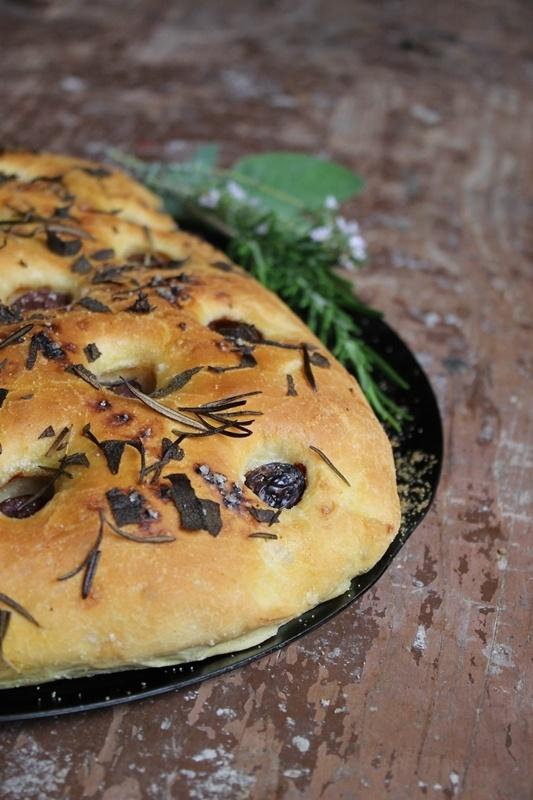 Rezept Oliven-Kräuter-Focaccia