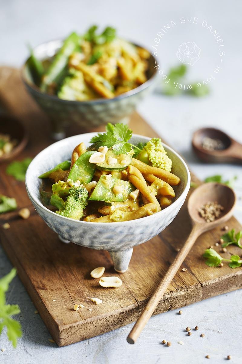 Rezept One Pot Curry mit Kichererbsen Nudeln