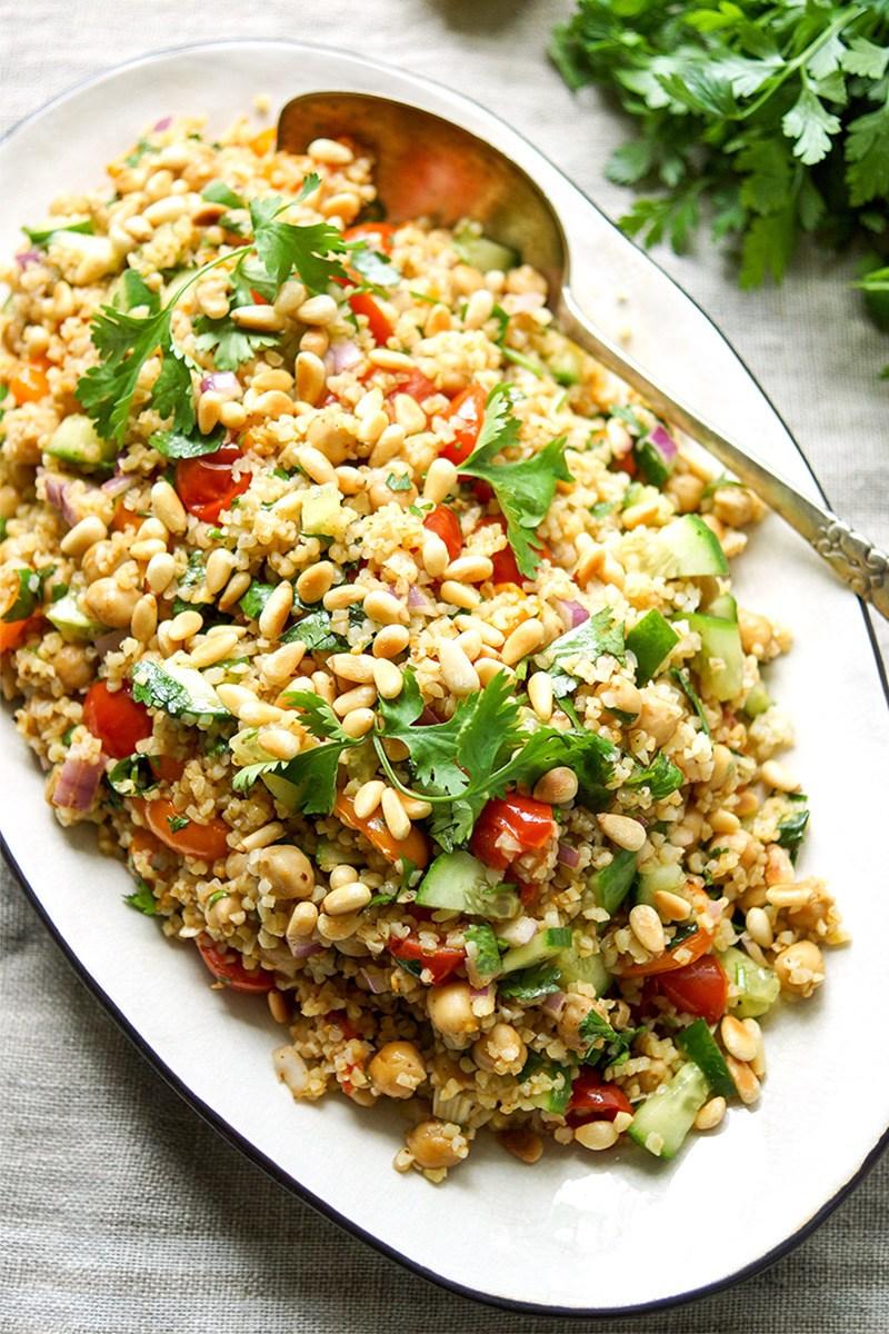 Rezept Orientalischer Bulgur-Salat mit gerösteten Tomaten und Kichererbsen