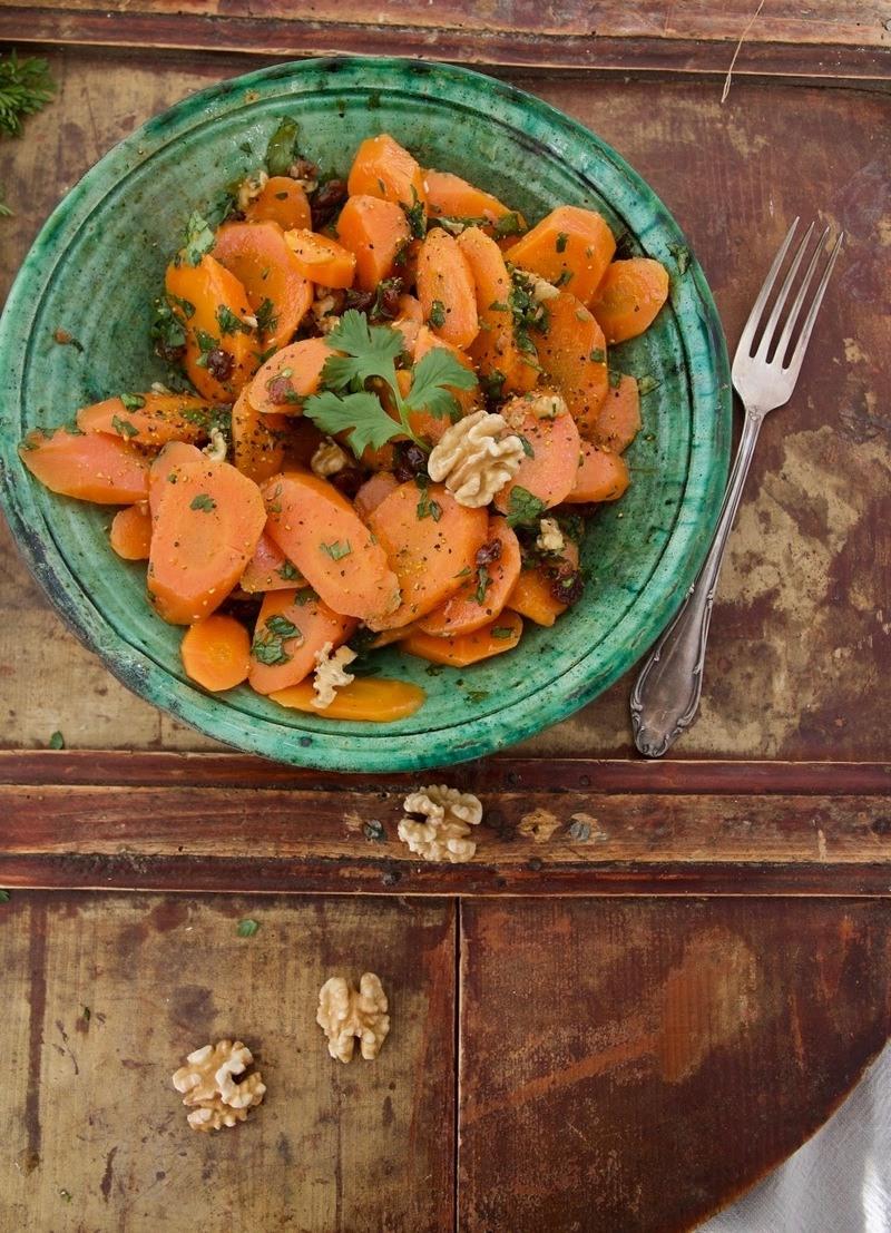 Rezept Orientalischer Karotten-Salat mit Rosinen und Walnüssen