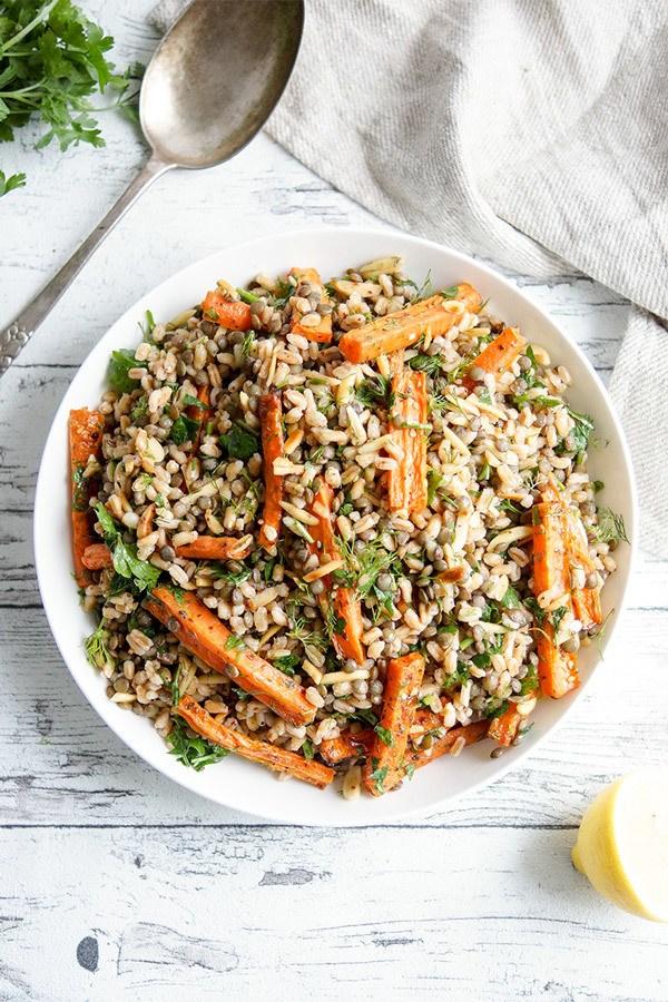 Rezept Orientalischer Linsensalat mit gerösteten Karotten und Dinkel