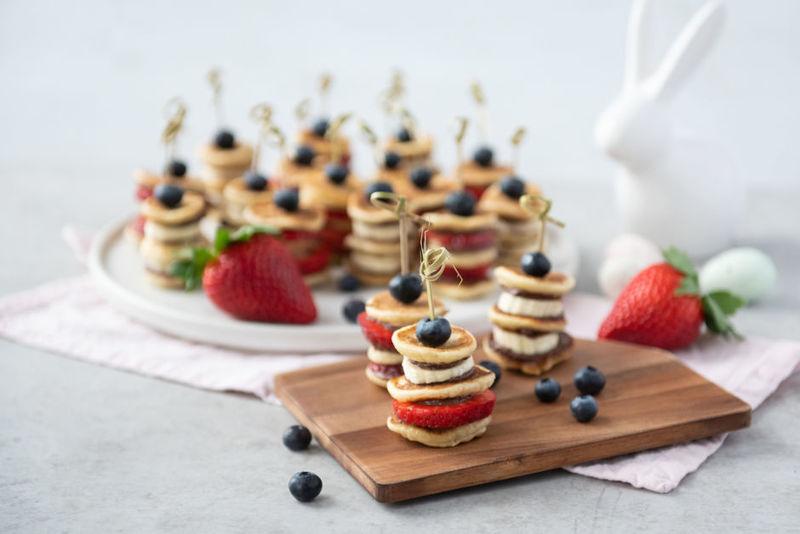 Rezept Pancake-Spieße mit Beeren und Skyrtella