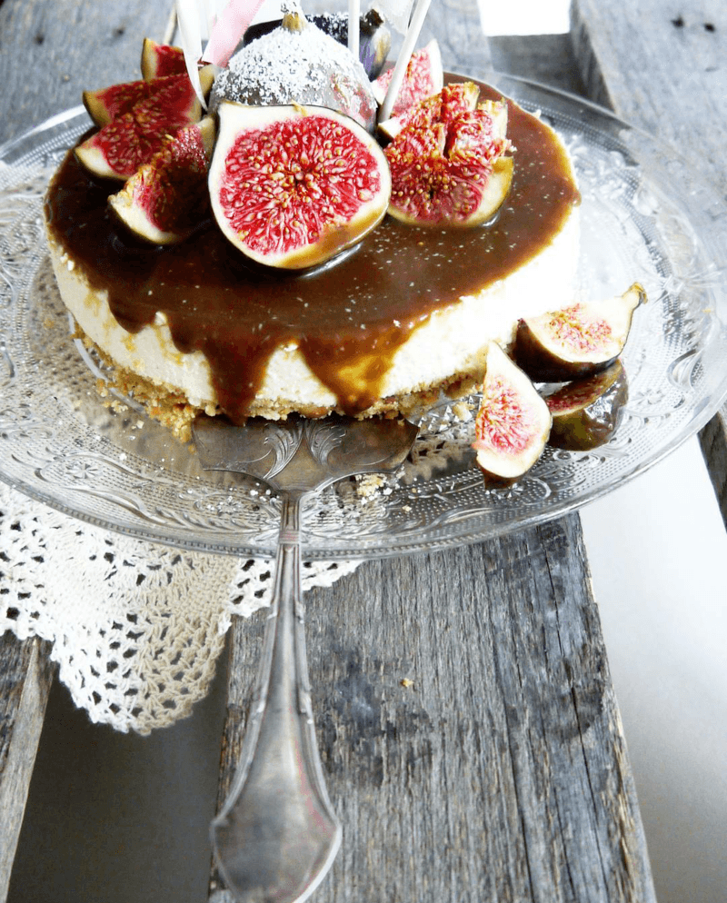 Rezept Panna Cotta-Torte mit salzigen Karamell und Feigen