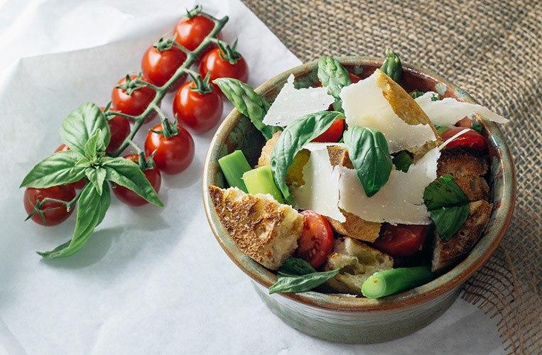Rezept Panzanella: Toskanischer Brotsalat