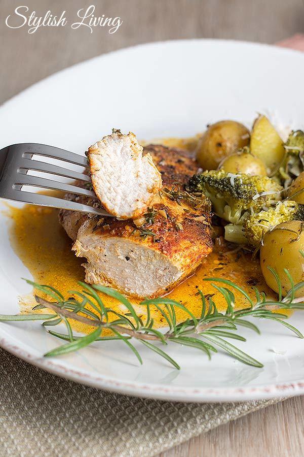 Rezept Paprika-Hähnchen in Thymian-Weißwein-Sauce und Ofengemüse