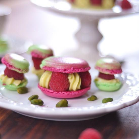 Rezept Paris-Berlin, Himbeeren-Pistazien Macarons