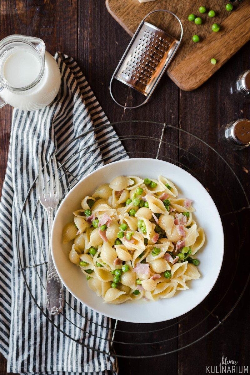 Rezept Pasta alla Panna - Nudeln mit Schinken-Sahne-Sauce und Erbsen