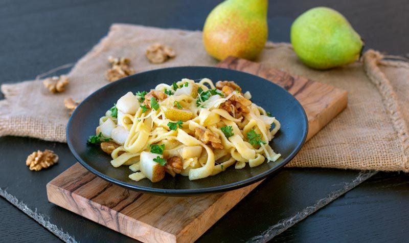 Rezept Pasta mit Birne, Walnuss und Bergkäse