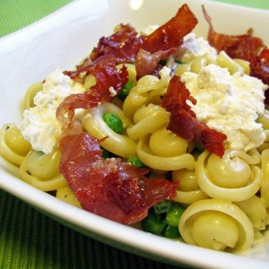 Rezept Pasta mit Erbsen und Prosciutto
