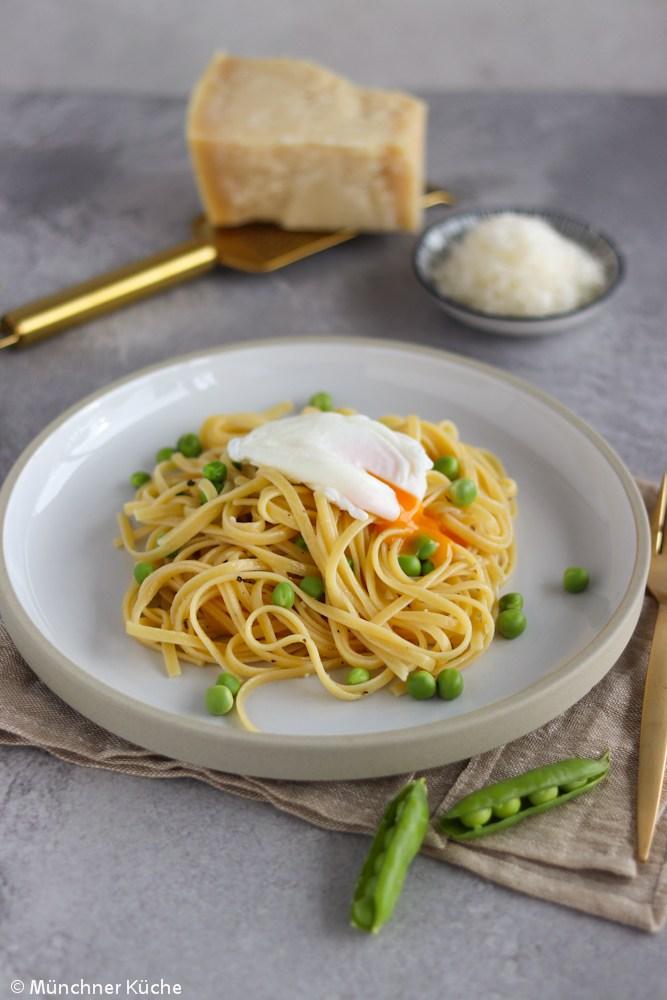 Rezept Pasta mit frischen Erbsen und pochiertem Ei
