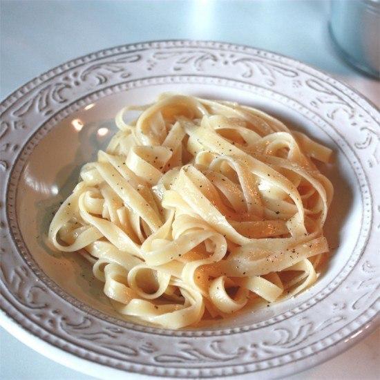 Rezept Pasta mit Knoblauchbutter & Parmesan