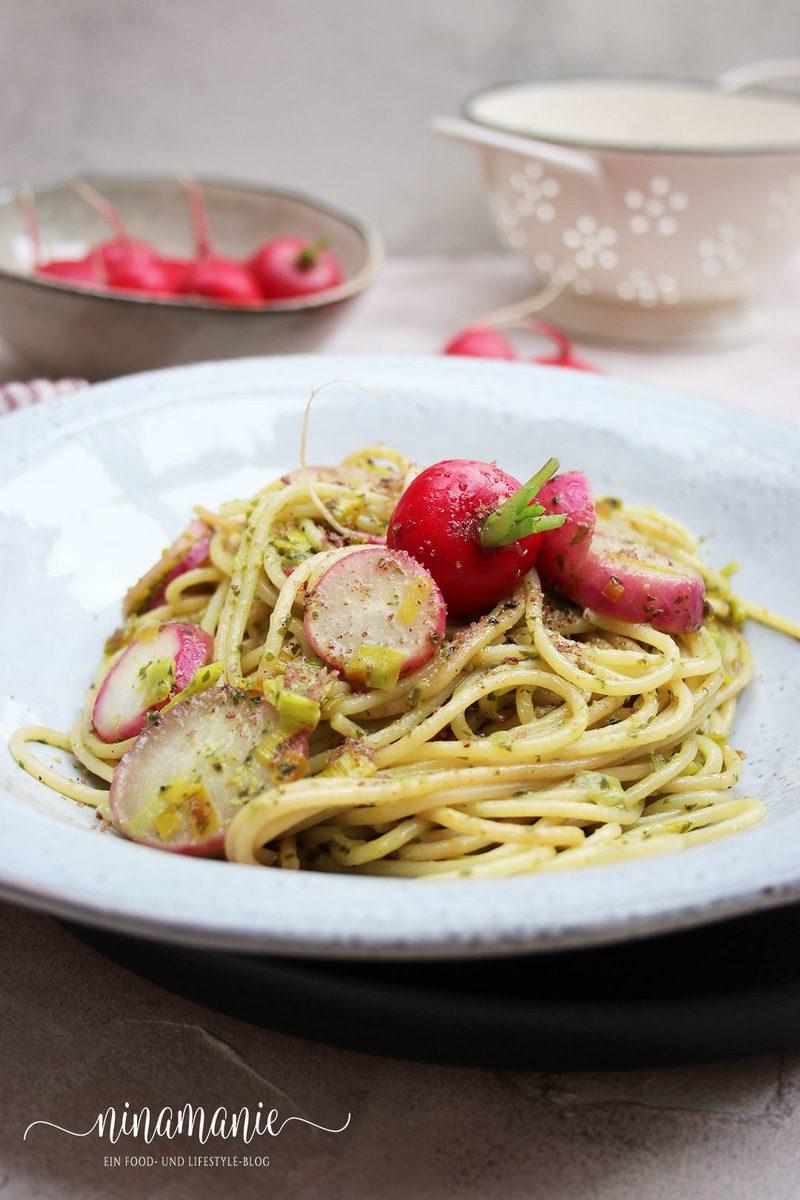 Rezept Pasta mit Radieschen, Bärlauchpesto und Lauch