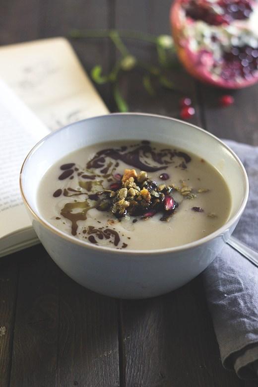 Rezept Pastinaken-Maronen-Suppe mit herzhafter Nussgranola