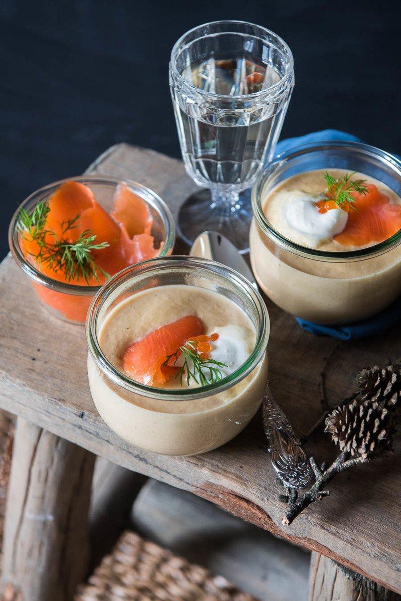 Rezept Pastinakencremesuppe Mit geräuchertem Lachs und Caviar