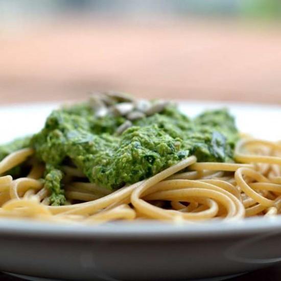 Rezept Pesto aus Kohlrabiblättern