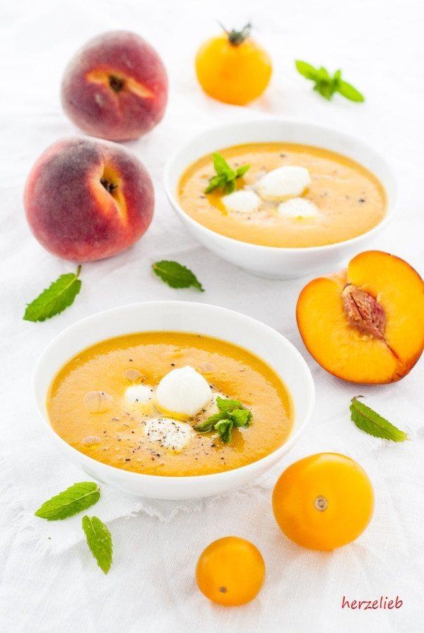 Rezept Pfirsich-Tomaten-Suppe mit Mozzarella