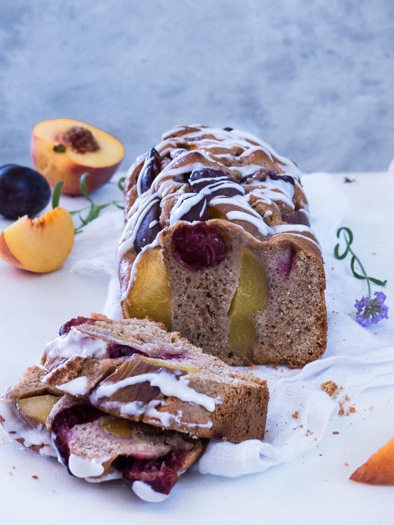 Rezept Pfirsich und Zwetschgen Joghurt Buchweizen Kuchen