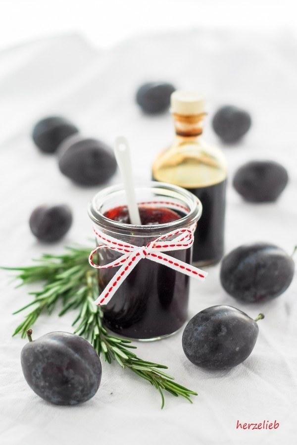 Rezept Pflaumen-Balsamico-Marmelade mit Rosmarin