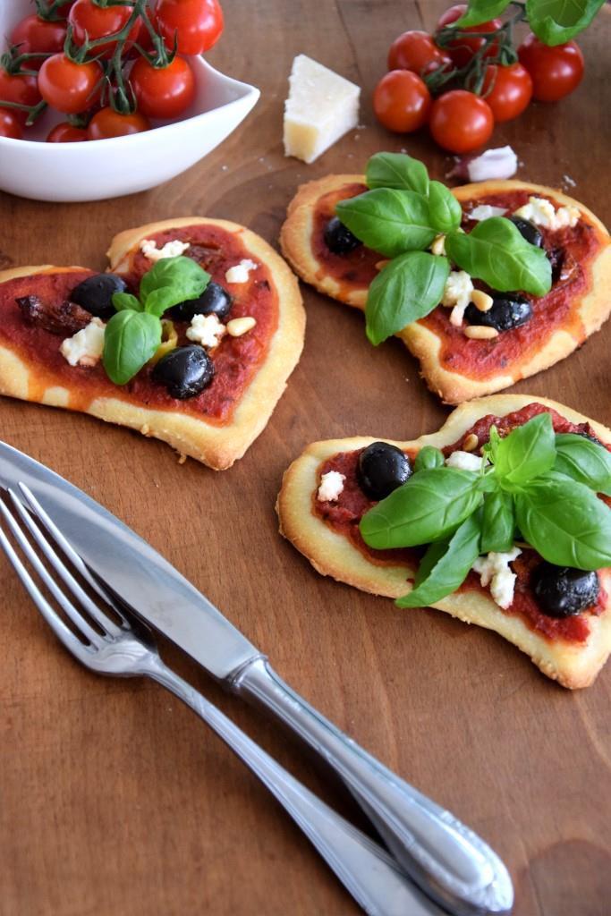 Rezept Pizza in Herzform
