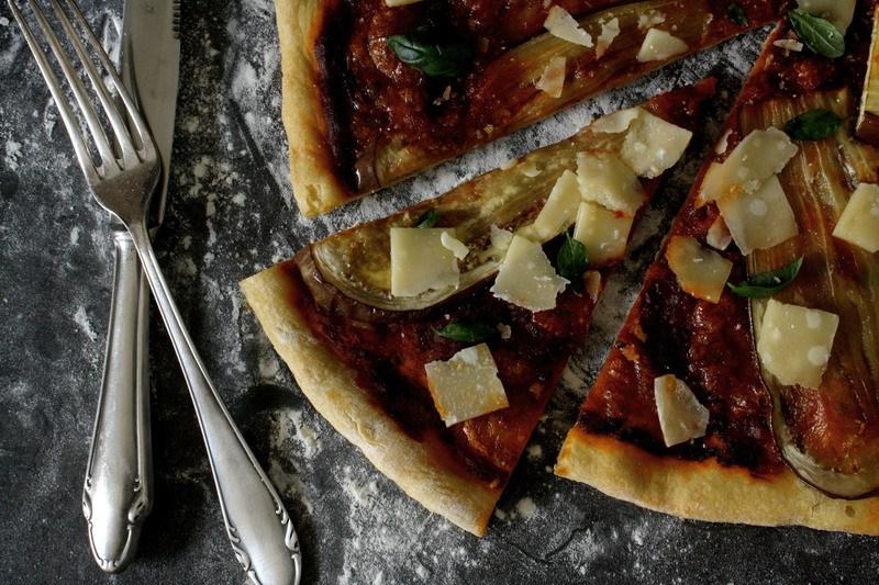 Rezept Pizza mit Auberginen & Parmesan