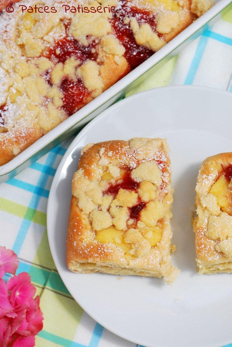 Rezept Puddingbuchteln mit Erdbeerkonfitüre und Streuseln