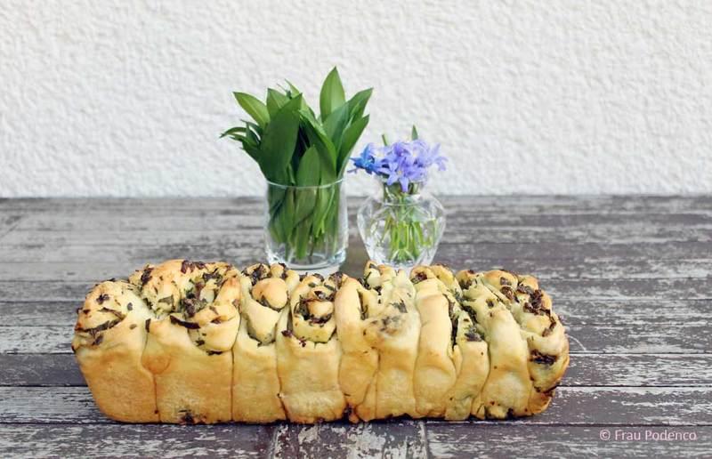 Rezept Pull Apart Brot oder auch Faltenbrot mit Bärlauch