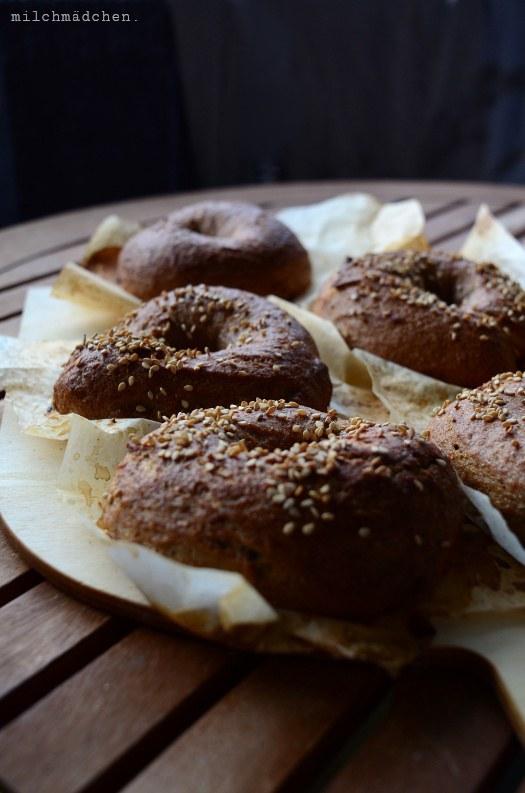 Rezept Pumpernickel Bagels mit Sauerteig & Übernacht-Gare