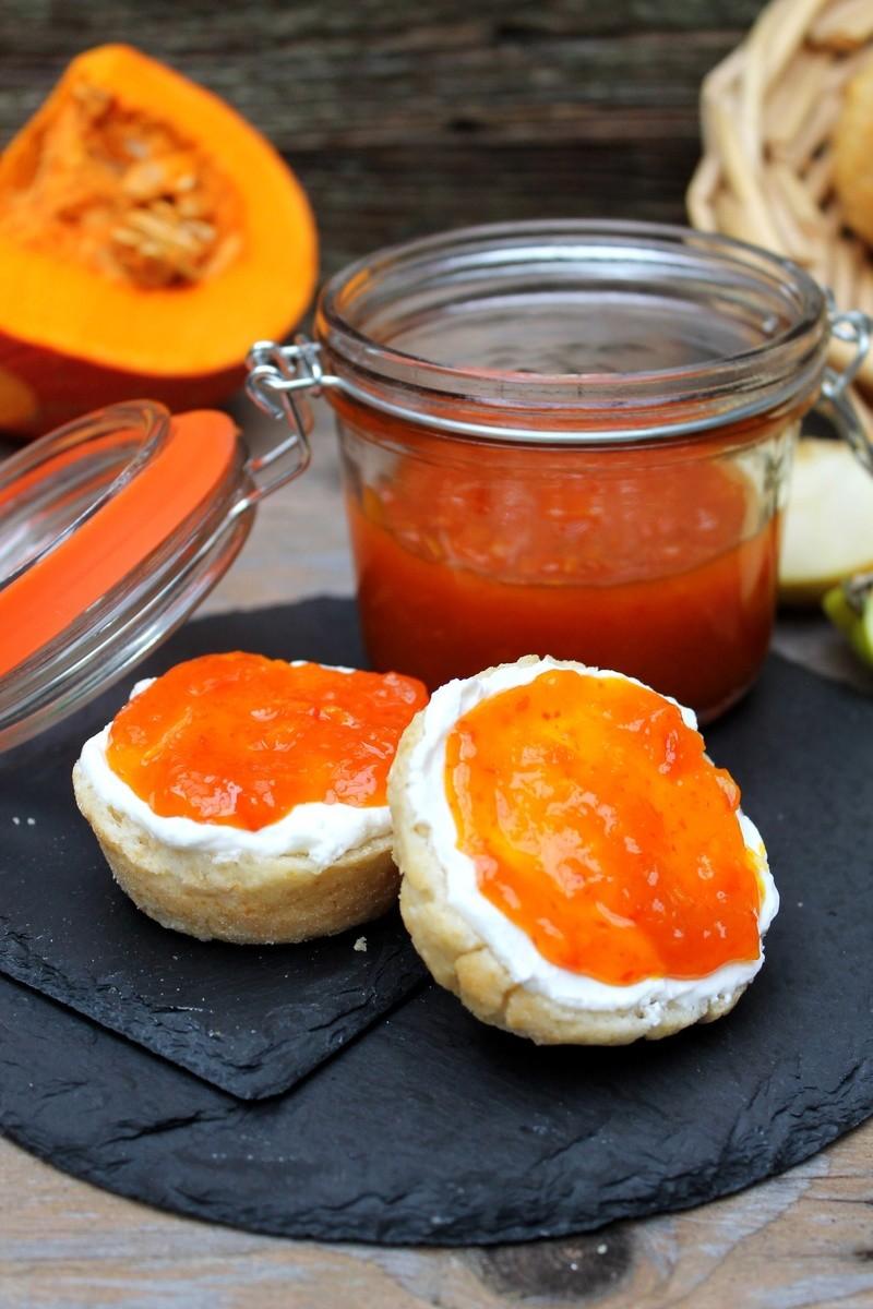 Rezept Quarkbrötchen mit Kürbis-Apfel-Zimt-Marmelade