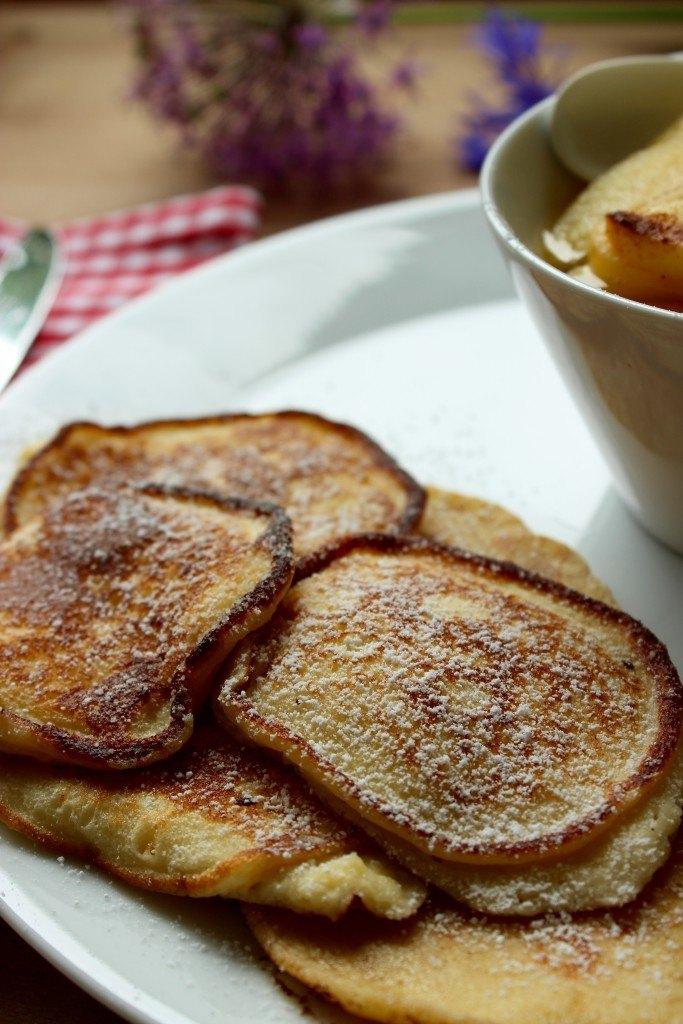 Rezept Quarkplinsen mit Apfelspalten