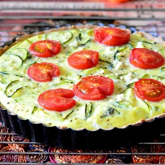 Rezept Quiche mit Zucchini, Tomaten, Lauchzwiebeln und Feta