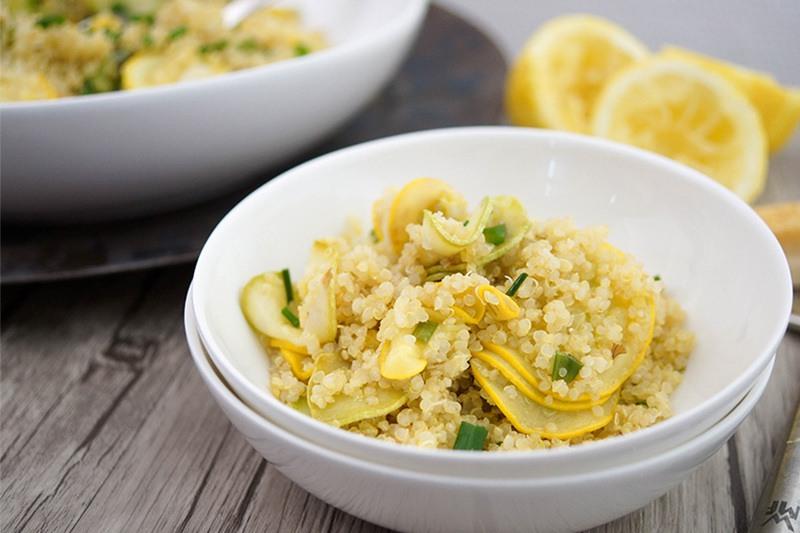 Rezept Quinoa mit Zucchini und Zitrone