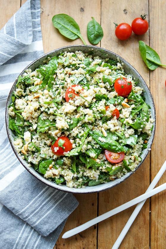 Rezept Quinoa-Salat mit Spinat und Kräutern