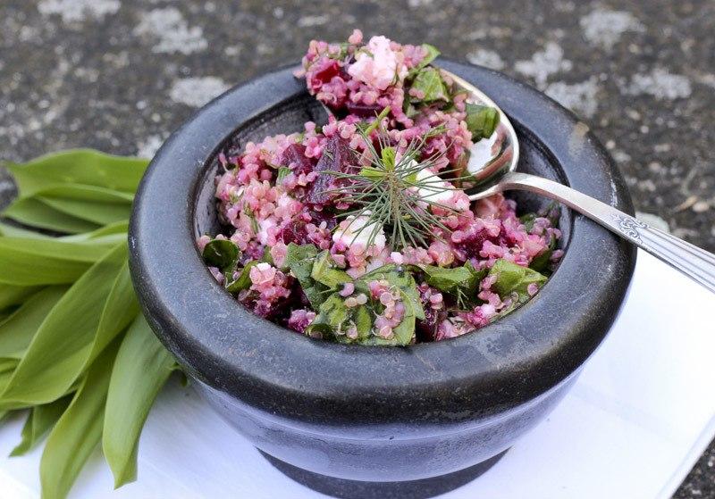 Rezept Quinoasalat mit roter Bete und Blattspinat