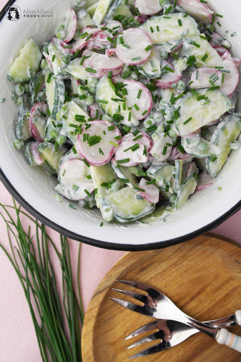 Rezept Radieschen-Gurken-Erbsen-Salat mit cremig-frischem Sour-Cream-Dressing