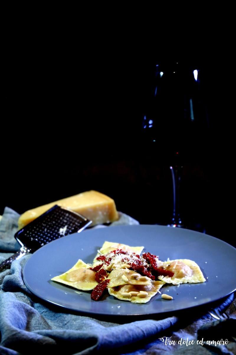 Rezept Ravioli ai pomodorini secchi con ricotta