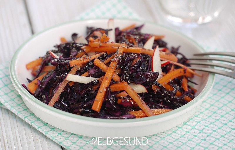 Rezept Raw Food mit Chia-Dressing oder Krautsalat als Superfood