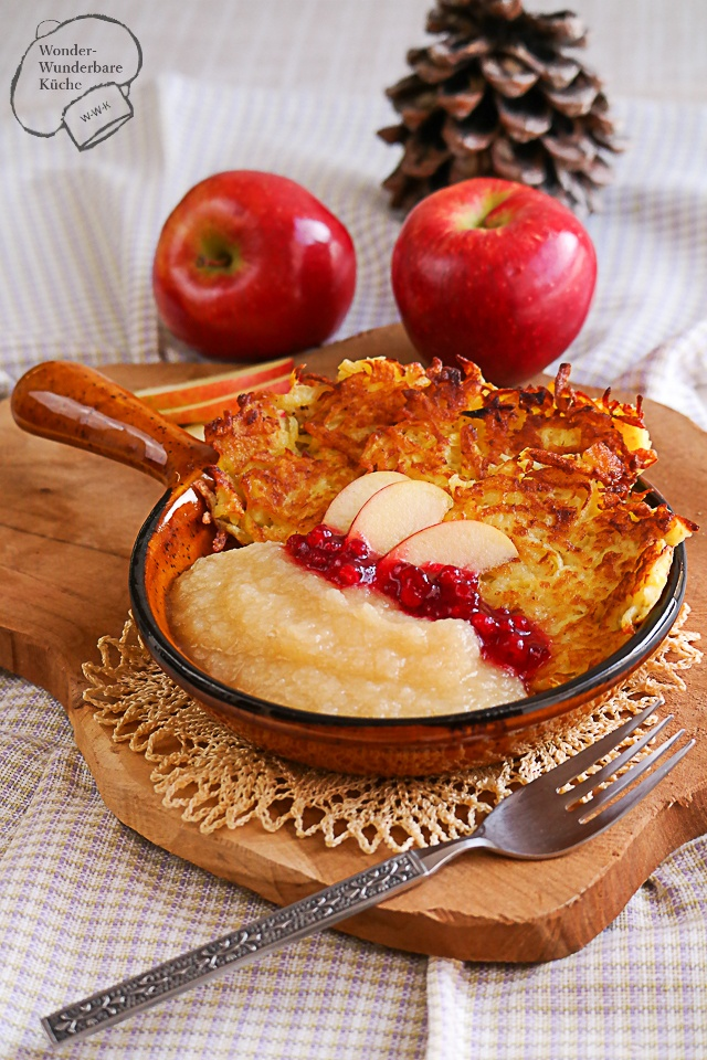 Rezept Reiberdatschi (Reibekuchen/Kartoffelrösti) mit Apfelmus