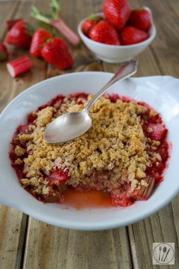 Rezept Rhabarber-Erdbeer Crumble