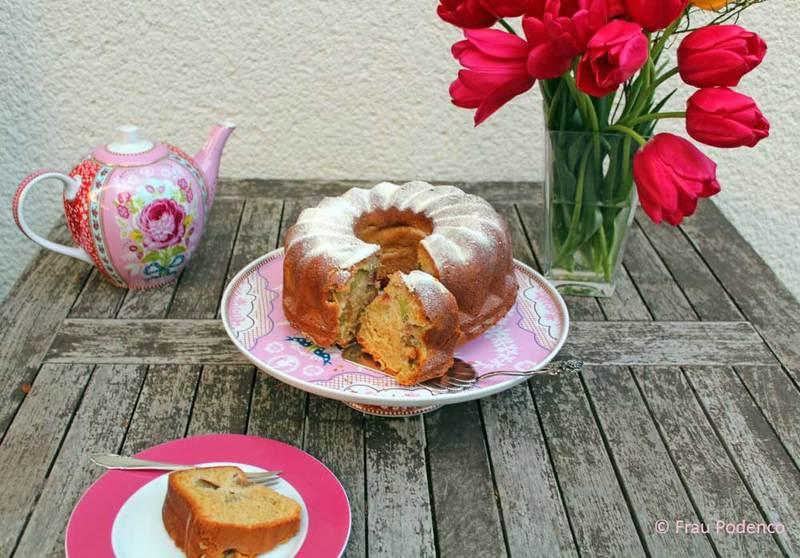 Rezept Rhabarber Gugelhupf mit Baiserschnee