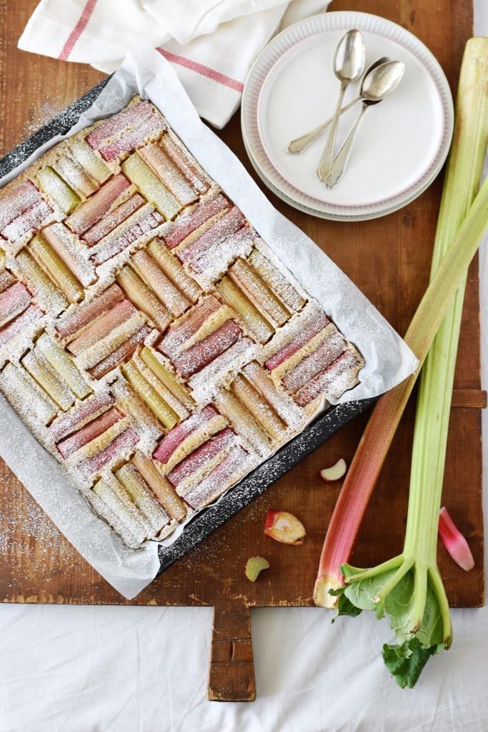 Rezept Rhabarber-LOVE! Vanille-Rhabarber-Blechkuchen - saftig, lecker und ganz einfach gemacht