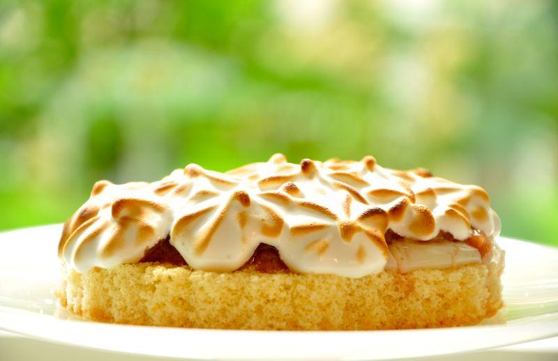 Rezept Rhabarber-Vanille-Tarteletts mit Baiser