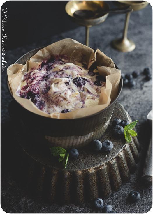 Rezept Ricotta-Eis mit Blaubeerswirl