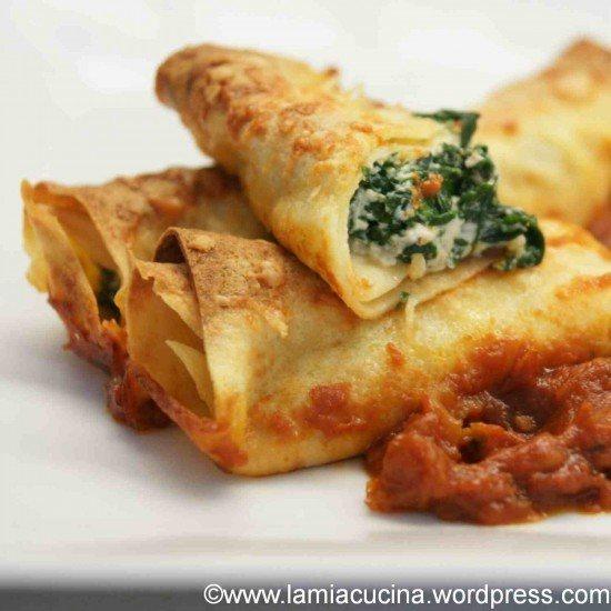 Rezept Ricotta-Spinat-Crespelle auf Tomatencoulis