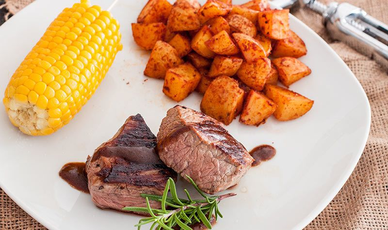 Rezept Rinderfilet mit Maiskolben & Kartoffelecken
